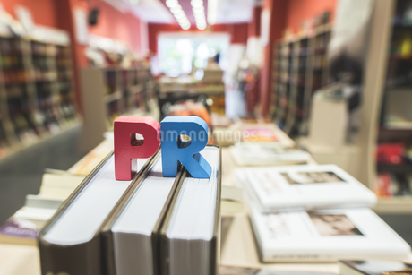 Letters PR  in a bookstoreの写真素材 [FYI04336834]