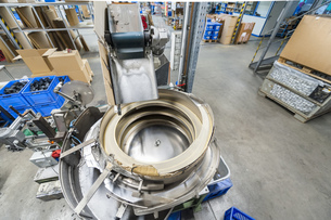 Packing machine in plastics factoryの写真素材 [FYI04337052]