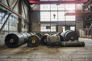 Rolls of rubber in factory hallの写真素材 [FYI04337073]