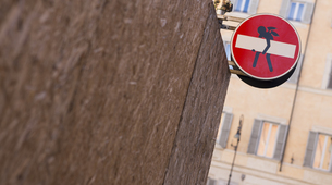 Italy, Rome, funny modification of traffic signの写真素材 [FYI04337389]