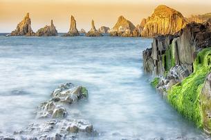 Spain, Asturias, The cliffs of El Silencio Gavieira near Cudの写真素材 [FYI04337725]