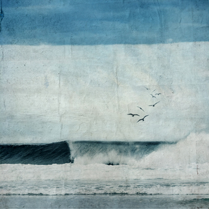 France, Contis-Plage, breaking wave, textured photographyの写真素材 [FYI04337882]