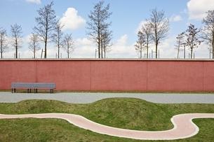 Germany, Bavaria, Munich, View of Path in Westparkの写真素材 [FYI04338246]