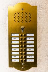 Doorbell button panel and intercomの写真素材 [FYI04338345]