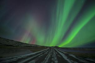 Iceland, scenery with Aurora Borealisの写真素材 [FYI04338512]