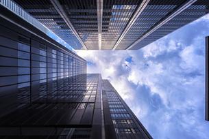 Canada, Ontario, Toronto, financial district, modern bank buの写真素材 [FYI04338723]
