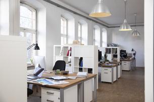 Empty officeの写真素材 [FYI04339343]