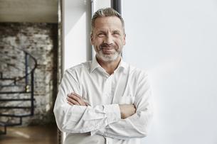 Portrait of confident businessmanの写真素材 [FYI04339921]