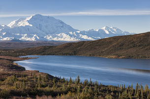 USA, Alaska, View of Mount Mckinley and reflection of Wonderの写真素材 [FYI04340233]