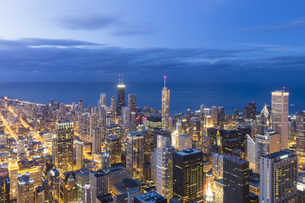 USA, Illinois, Chicago, View from Willis Tower towards Lakeの写真素材 [FYI04340267]