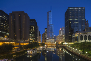 USA, Illinois, Chicago, High-rise buildings, Trump Tower atの写真素材 [FYI04340336]