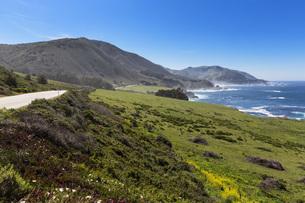 USA, California, Pacific Coast, National Scenic Byway, Big Sの写真素材 [FYI04340363]