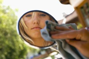 Young woman, portraitの写真素材 [FYI04340657]