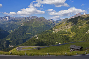 Austria, View of the Alps from the Grossglockner High Alpineの写真素材 [FYI04340926]
