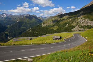Austria, View of the Alps from the Grossglockner High Alpineの写真素材 [FYI04340927]