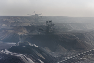 Germany, View of brown charcoal mining at Garzweilerの写真素材 [FYI04341255]