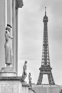 France, Paris, view to Eiffel Towerの写真素材 [FYI04341965]