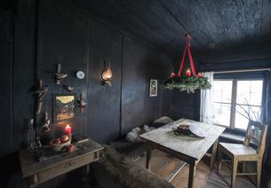 Farmhouse room at Adventの写真素材 [FYI04342092]