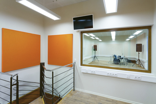 Estonia, Tartu, Heino Eller's Music school, empty classroomの写真素材 [FYI04342468]