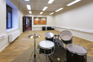 Estonia, Tartu, Heino Eller's Music school, empty classroomの写真素材 [FYI04342469]