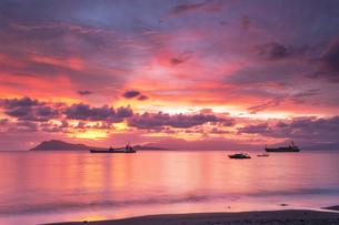 Indonesia, Nusa Tenggara Timur, Ende, sunsetの写真素材 [FYI04343036]