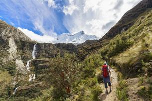 Peru, Andes, Cordillera Blanca, Huascaran National Park, touの写真素材 [FYI04343087]