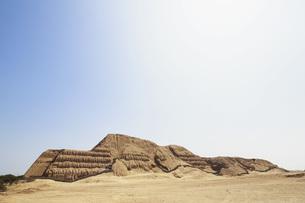 Peru, Trujillo, ruins of the Huaca del Solの写真素材 [FYI04343097]