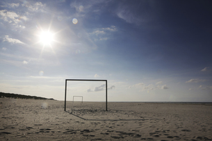 Germany, Lower Saxony, East Frisia, Langeoog, goal at the beの写真素材 [FYI04343703]
