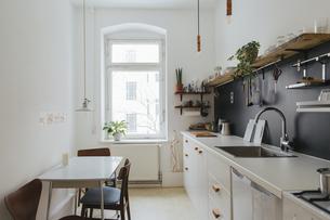 Minimalist kitchenの写真素材 [FYI04344179]