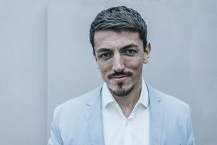 Portrait of confident businessmanの写真素材 [FYI04345383]