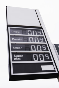 Germany, Gas station, Price boardの写真素材 [FYI04345884]