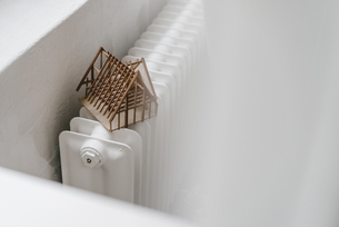 Architectural model on heaterの写真素材 [FYI04346731]