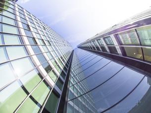 Germany, Hesse, Frankfurt, City-Haus, Glass facadeの写真素材 [FYI04349201]