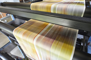 Printing machine in a printing shopの写真素材 [FYI04349727]