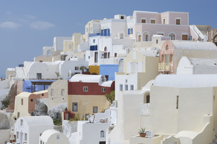 Greece, View of Oia village at Santoriniの写真素材 [FYI04355978]