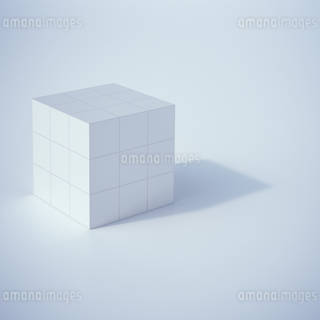Low poly cube, 3D Renderingのイラスト素材 [FYI04358327]