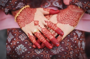 Close-up Of Woman With Henna Tattooの写真素材 [FYI04378837]
