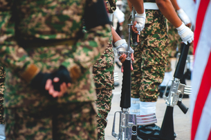 Army Soldiers With Rifle During Paradeの写真素材 [FYI04384028]