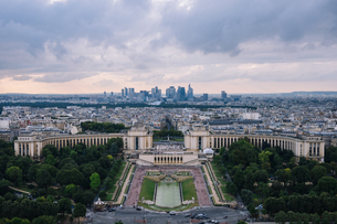 High Angle View Of Palais De Chaillot Against Cityscapeの写真素材 [FYI04398771]