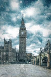 View Of Big Ben In The Snowの写真素材 [FYI04400369]