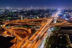 High Angle View Of Illuminated Cityscape At Nightの写真素材 [FYI04401936]