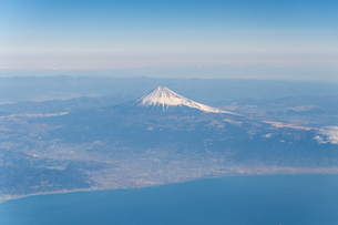 Aerial View Of Landscape Against Blue Skyの写真素材 [FYI04406316]
