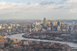 Aerial View Of City By River Against Skyの写真素材 [FYI04406830]