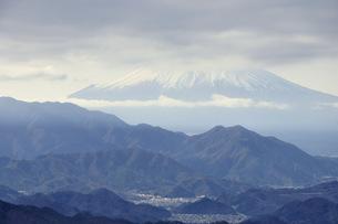 百蔵山より富士山の写真素材 [FYI04425356]