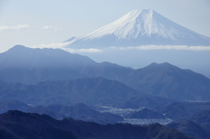 百蔵山より富士山の写真素材 [FYI04426292]