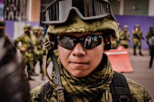 Portrait Of Army Soldier Wearing Uniformの写真素材 [FYI04437717]