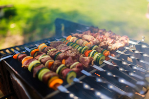 Close-up Of Meat On Barbecue Grillの写真素材 [FYI04446295]