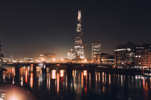Illuminated City At Nightの写真素材 [FYI04450717]