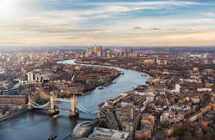 Aerial View Of Tower Bridge Over Thames River Amidst Cityscapeの写真素材 [FYI04469296]