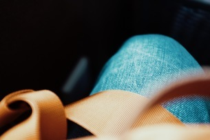 Cropped Image Of Person Wearing Jeansの写真素材 [FYI04471266]